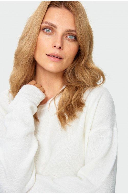 ciepły sweter biały luźny